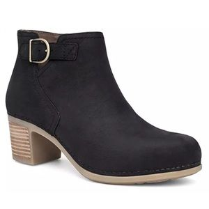 Dansko Henley Black Nubuck ankle boot bootie 39 9